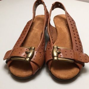 "Aerosoles Brown Leather 1.5""Heeled Sandals  Sz6"